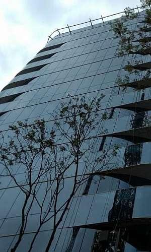 Projetos de fachadas para edifícios comerciais